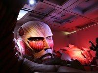 進撃の巨人展で展示されている「超大型巨人」=2014年11月27日、村田由紀子撮影