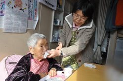 教育・医療・福祉:介護施設、入所制限 空きベッドあるのに「400人待ち」 - 毎日新聞