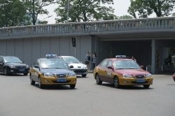 北京市内を走るタクシー=井出晋平撮影