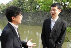 玉川さん(右)と今沢論説委員