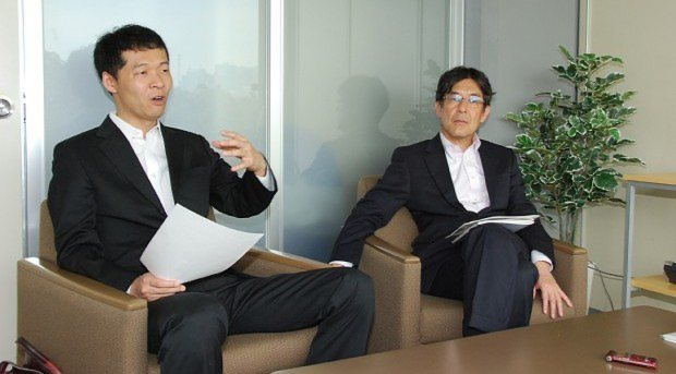 玉川さん(左)と今沢論説委員