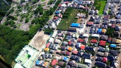 建ち並ぶ住宅=東京都内で今沢真撮影