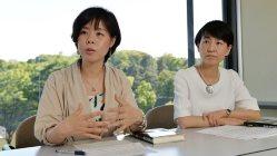 「捏造の科学者」を執筆した須田桃子記者(左)。右は元村有希子編集委員=関口純撮影