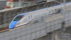 北陸新幹線で里帰りができるようになった=富山県射水市で