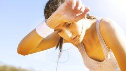 熱中症の症状は、脳梗塞をはじめとする脳卒中の症状と似ている点がある