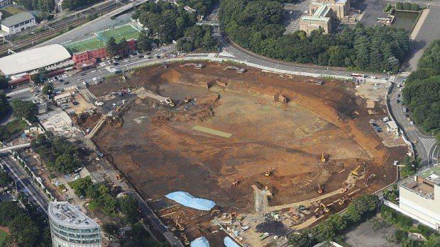 建設計画が見直されることになった新国立競技場の建設予定地=2015年7月17日撮影