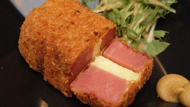 迫力のチーズハムカツ(530円)