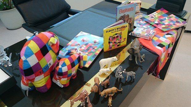 象の絵本をテーマにしたストーリーサック