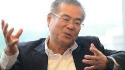 インタビューに答える藤田勉・シティグループ証券副会長=2015年8月27日、木村滋撮影