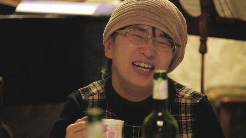 脳深部刺激治療を受けた主人公の佐藤治子さん=映画「ジストニア」より
