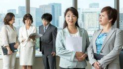 右から2人目が左近司涼子さん