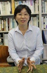 庵逧由香教授