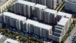 施工不良で傾いたマンション=横浜市都筑区で