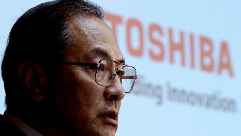 記者会見で質問に答える東芝の室町正志社長=東芝本社で2015年9月7日、後藤由耶撮影