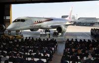 初公開された国産ジェット機のMRJ=愛知県豊山町で2014年10月18日、木葉健二撮影