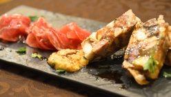 インコントラ・ヒラヤマ(郡山)のシェフが放牧豚を使った料理=小高朋子撮影