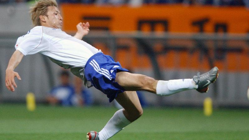 2002年ワールドカップ(W杯)日韓大会1次リーグ初戦のベルギー戦で、同点ゴールを決めた鈴木隆行選手=埼玉スタジアムで2002年6月4日