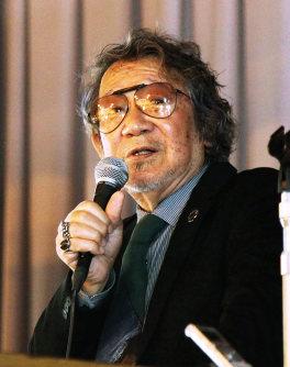 映画作家、大林宣彦さん=広島県尾道市立土堂小学校で、佐々木泰造撮影