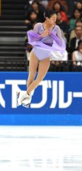 Figure skater Mao Asada successfully performs a triple axel at the 2015 Japan Open figure skating competition at Saitama Super Arena, on Oct. 3, 2015. (Mainichi)