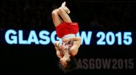 Kohei Uchimura performs floor exercises during the men's individual all-around final at the World Gymnastics Championships in Glasgow, Scotland, on Oct. 30, 2015. (Mainichi)