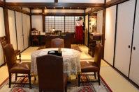 「大河ドラマ館」に再現された県令室=群馬県庁昭和庁舎で、山本有紀撮影
