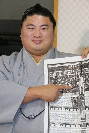 大相撲初場所:33歳嘉風、10年か...
