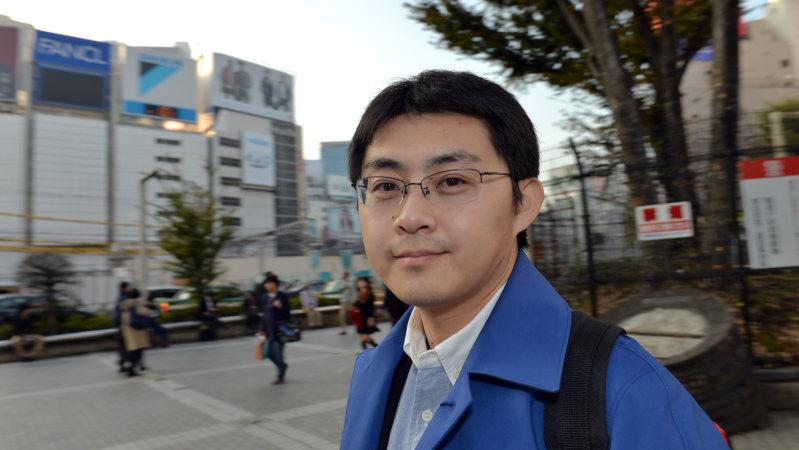 「下流老人」の著者で、長く困窮者支援を続けているソーシャルワーカーの藤田孝典さん=東京都新宿区で、関口純撮影