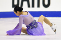 Figure skater Mao Asada falls during her performance at the Japan Figure Skating Championships 2015 on Dec. 27, 2015, in Sapporo. (Mainichi)