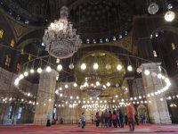 エジプトの首都カイロで、豪華な内装が施されたムハンマド・アリー・モスク=2015年12月1日午前11時26分、秋山信一撮影