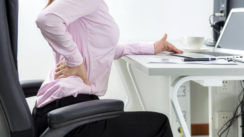 痛み 背中 病気 の 背中の痛みの症状から考えられる16の病気|ヘルモア
