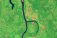 【b】2014年8月4日、アーカンサス川=NASA提供