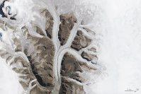 【K】2015年8月3日、カナダ・シミリク国立公園の氷河=NASA提供