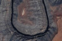 【U】2004年5月9日、米ユタ州のグースネックス州立公園=NASA提供