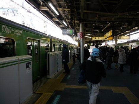JR山手線高田馬場駅のホーム=小座野容斉撮影