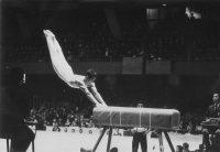 【1964東京五輪】男子体操跳馬で山下治広が優勝。山下跳び一回ひねりのウルトラCをきめた