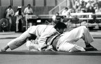 【1976モントリオール五輪】柔道無差別級で上村春樹が金メダル。決勝はレムフリー(英国)に崩れ上四方固めで一本勝ち