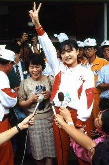 【1988ソウル五輪】射撃女子スポーツピストルで銀メダルを獲得した長谷川智子。ソウル五輪の日本人メダル第1号だった