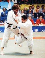 【1988ソウル五輪】ロサンゼルス五輪に続き柔道95キロ超級で斉藤仁が金メダル。不振だった柔道日本勢唯一の金となった