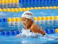 【1992バルセロナ五輪】水泳女子200メートル平泳ぎで岩崎恭子が金メダル。14歳と6日での金メダル獲得は五輪の競泳史上最年少記録となった