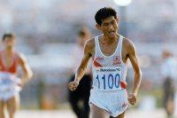【1992バルセロナ五輪】男子マラソン谷口浩美は8位。後ろの選手にかかとを踏まれ転倒したが、挽回して8位。「こけちゃいまして。脱げた靴を拾いに帰ったものですから」