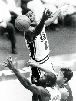 【1992バルセロナ五輪】男子バスケット米国代表。ロビンソンからジョンソンヘパス
