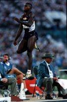 【1996アトランタ五輪】男子走り幅跳びで大会4連覇を果たしたカール・ルイス(米国)=平野幸久撮影