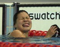 【2000シドニー五輪】400メートル個人メドレーで銀メダルの田島寧子。金メダルを逃し舌を出して悔しがる=大西達也撮影