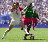 【2000シドニー五輪】サッカー男子の決勝はスペイン対カメルーン。PK戦までもつれ、カメルーンが金メダル。日本でもプレーしたパトリック・エムボマが活躍=川田雅浩撮影
