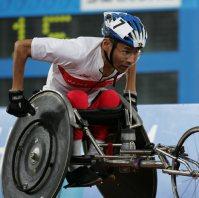 【2004アテネパラリンピック】高田稔浩が陸上男子400メートル(車いす2)、5000メートル(車いす1)、マラソン(車いす2)で金メダルを獲得した