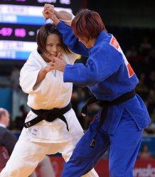 【2012ロンドン五輪】柔道女子57キロ級の松本薫は初戦から闘争心を前面に出して攻め続けた=西本勝撮影