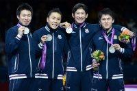 【2012ロンドン五輪】フェンシング男子フルーレ団体で銀メダルを獲得した(左から)淡路卓、太田雄貴、三宅諒、千田健太。エースの太田は「持てるものは全部出せたと思う」と話した=西本勝撮影