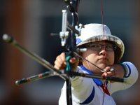 【2012ロンドン五輪】アーチェリー女子団体が銅メダル。的を狙う蟹江美貴=望月亮一撮影