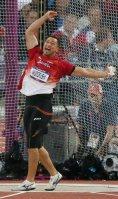 【2012ロンドン五輪】ハンマー投げ決勝で投てきし、雄たけびをあげる室伏広治。3投目に78メートル71を記録し3位となった