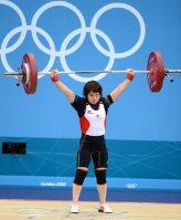 【2012ロンドン五輪】重量挙げ女子48キロ級で三宅宏実が銀メダル。三宅の父は64年東京、68年メキシコの金メダルの三宅義信=望月亮一撮影